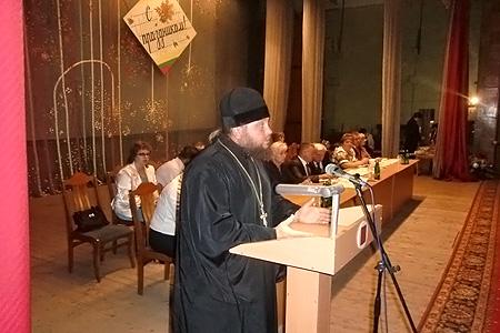 В Кромском благочинии священник напутствовал педагогов на учебный год