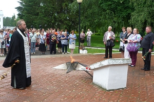 В Кромах помолились о жертвах Великой Отечественной войны
