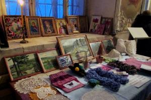 В Богоявленском соборе прошла выставка рукодельных работ глухонемых прихожан