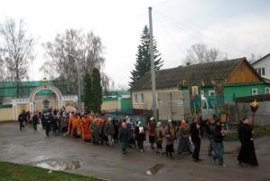 В рамках Областного Пасхального фестиваля в Ливнах прошёл Крестный ход