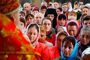 Архиерейская литургия в Никольском храме поселка Кромы. Фоторепортаж