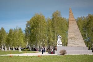 «Этого достойны лежащие здесь»: под Орлом обсудили строительство часовни на Кривцовском мемориале