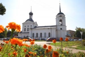 Приход мценского Троицкого храма отметил 25-летие