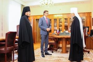 Состоялась рабочая встреча митрополита Антония и епископа Нектария с врио губернатора области Андреем Клычковым