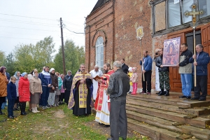 Дорога к храму длиной в сто лет: в Хотимль-Кузьменково совершена первая за век литургия
