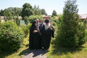 В престольный праздник обители в Долбенкино митрополит Тихон совершил литургию