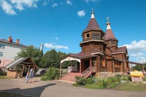 Архипастырь поздравил приход храма в поселке Стрелецкий с престольным праздником