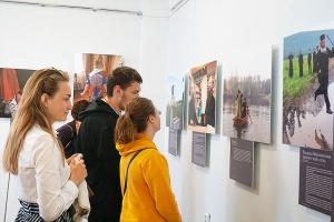Фотовыставка журнала «Фома» в Краеведческом музее продлится до 31 августа