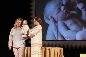 Орловский театр поставил кукольную драму о судьбе эмбрионов. Одному из персонажей не суждено родиться из-за аборта