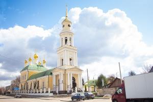 В Неделю 5-ю Великого поста митрополит Тихон совершил литургию в Ахтырском соборе