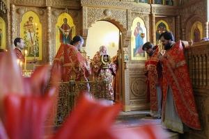 В день памяти Царственных Страстотерпцев митрополит Тихон совершил Литургию в Иверском храме