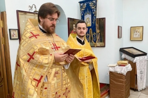 Прихожанам Знаменского храма в с. Знаменское представили нового настоятеля