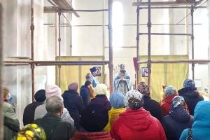 Первая Божественная литургия совершена в Покровском храме Мценска