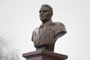 По соседству с храмом святого Александра Невского открыт памятник Василию Маргелову