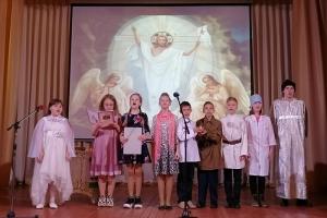 В Нарышкино ученики воскресной школы рассказали о Пасхе жителям района