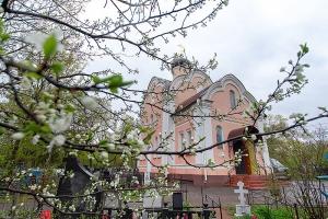 В последний день Светлой седмицы митрополит Тихон совершил Литургию в Воскресенском храме Орла
