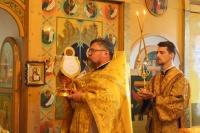 В Неделю 1-ю по Пятидесятнице, Всех святых, митрополит Орловский и Болховский Тихон совершил Литургию в Троице-Васильевском храме Орла. 14 июня 2020 г.